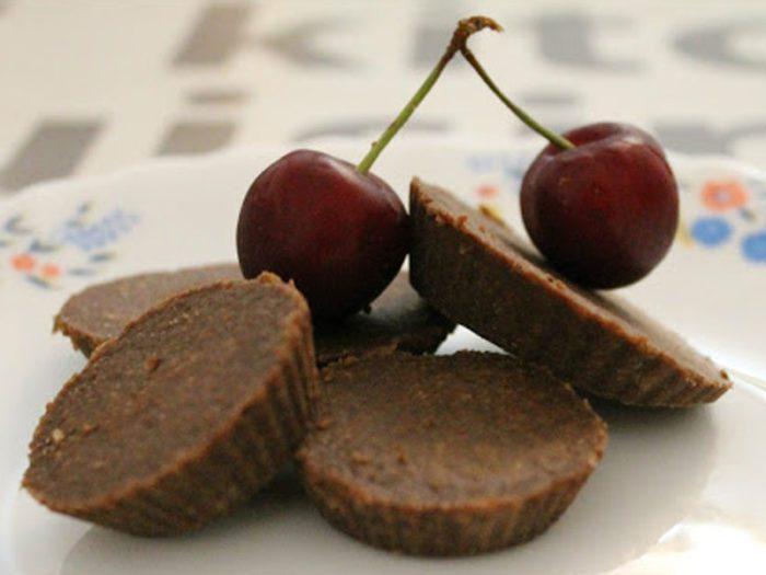 chocolatenuttycoconutfatbombs