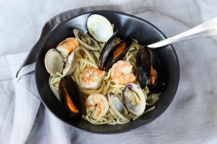 easy-seafood-pasta-and-white-wine-butter-sauce