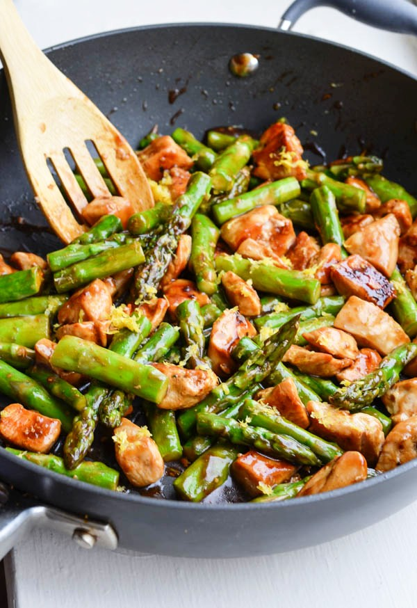 lemony-chicken-stir-fry-with-asparagus