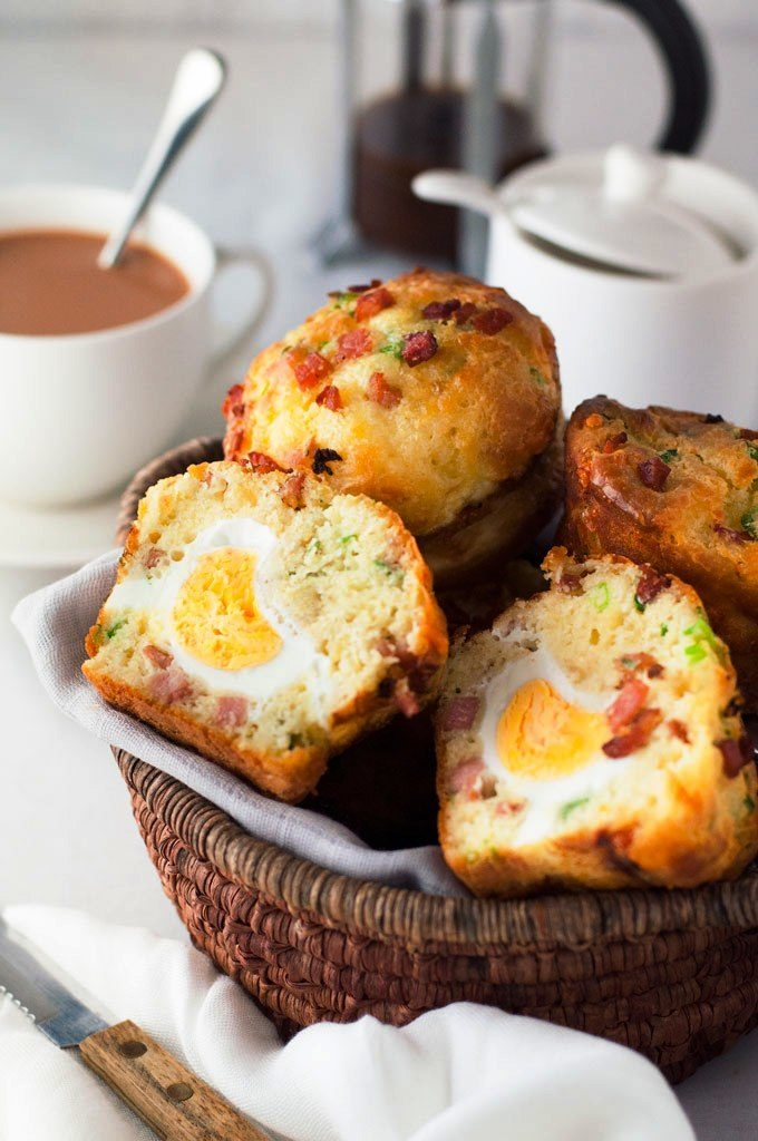 bacon-and-egg-breakfast-muffin