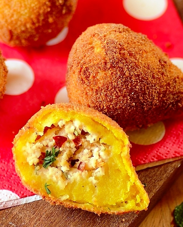 Coxinha de galinha brazilian chicken fritters fill my recipe book coxinha de galinha brazilian chicken fritters forumfinder Image collections
