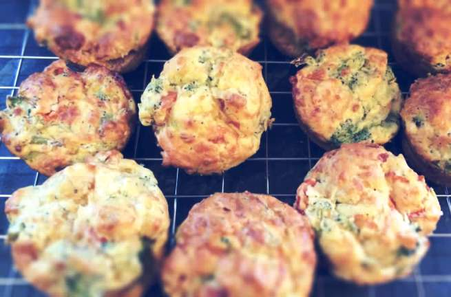 simple savoury broccoli and cheese muffins