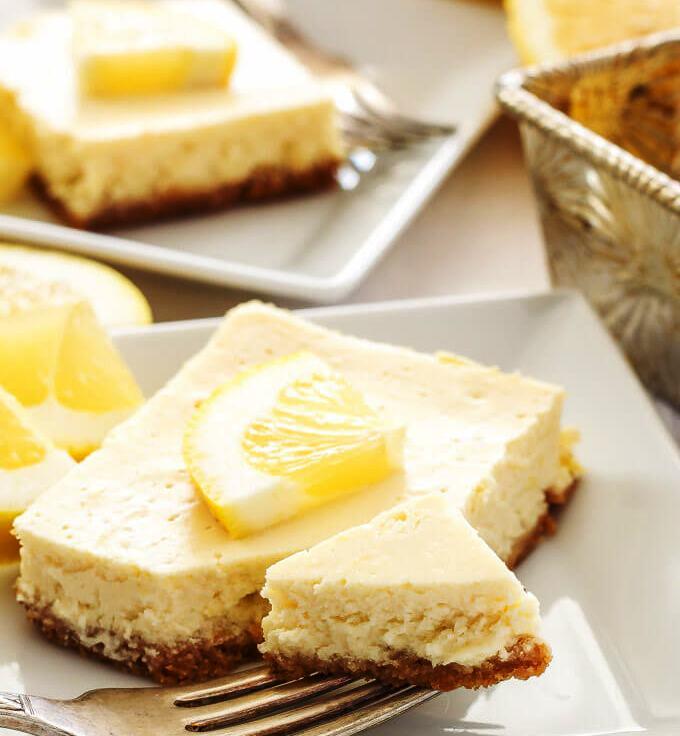 Greek yogurt lemon cheesecake bars