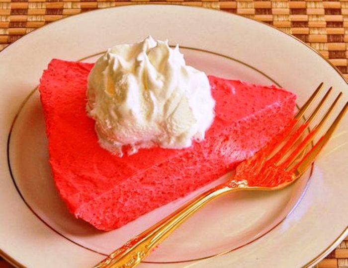 Sugar-free raspberry yogurt pie