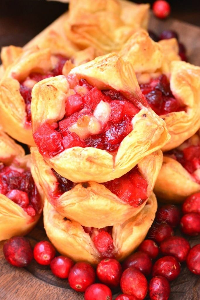 Apple-cranberry-brie-puff-pastry