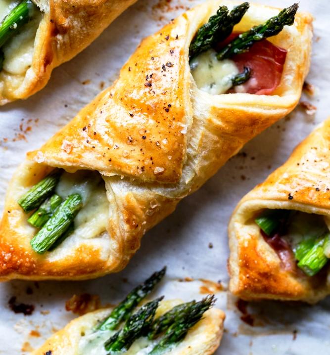 Prosciutto-asparagus-puff-pastry-bundles-appetizer