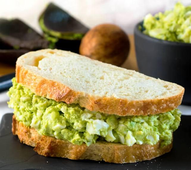 Healthy-avocado-egg-salad