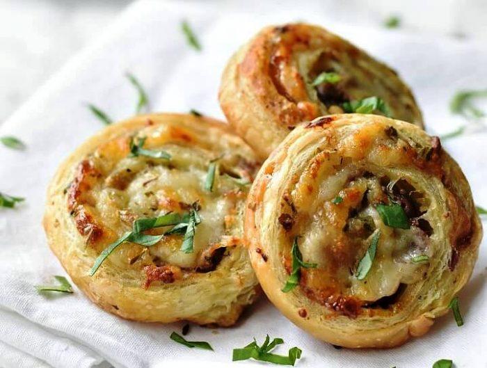 Puff-pastry-pinwheels-cheesy italian-style