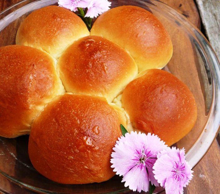 Bread-machine-hawaiian-rolls