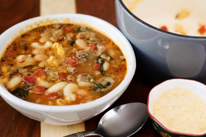 Italian-sausage-and-white-bean-soup