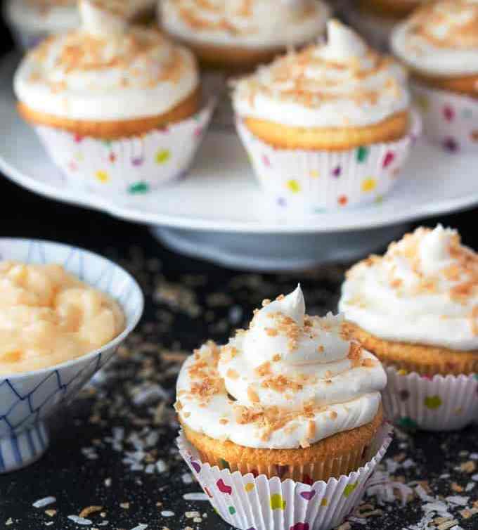 Coconut-cream-pie-cupcakes