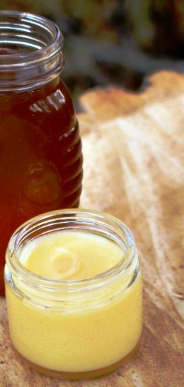 Homemade-coconut-honey-balm