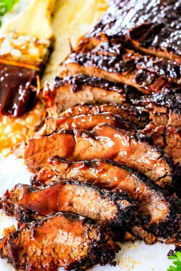 Slow-cooker-beef-brisket-with-barbecue sauce.