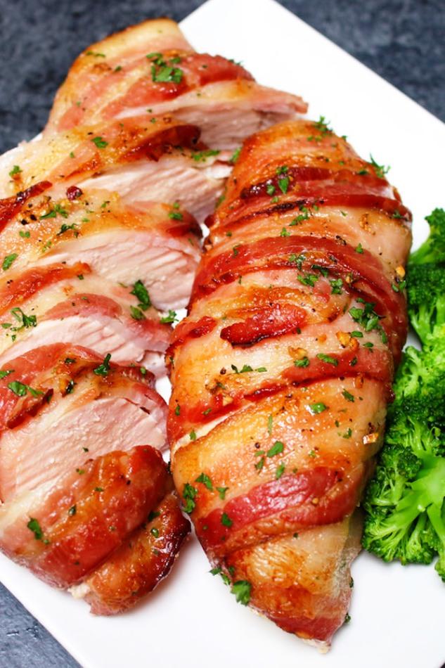 Slow-cooker-bacon-garlic-chicken-breast