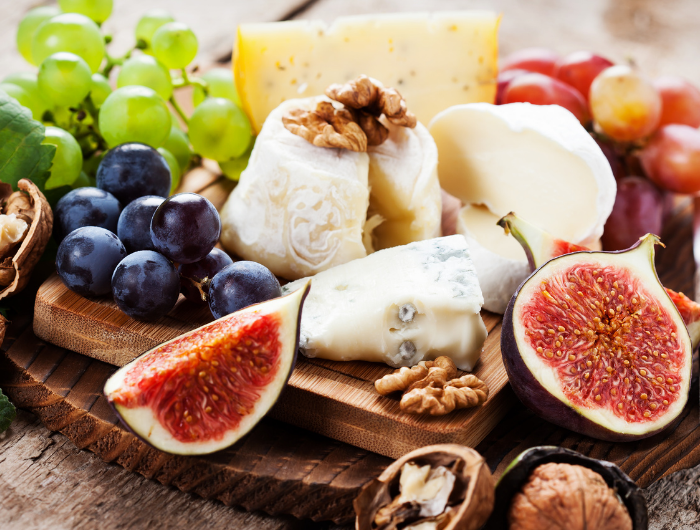 How To Make A Simple Cheese Board